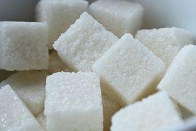 11 опасных свойств сахара