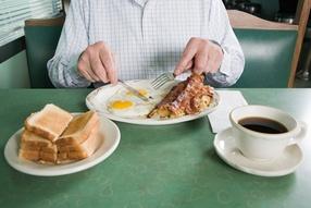 Вредно ли пить после еды?